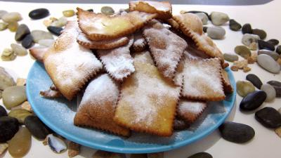 beignets sucrés : Assiettes de merveilles