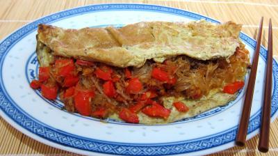 vermicelle de riz : Plat d'omelette végétarienne à la chinoise