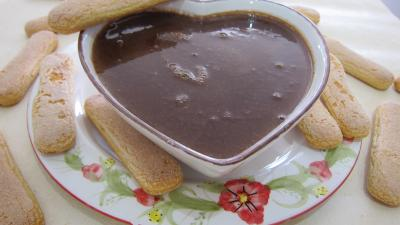 café : Saladier de crème anglaise au chocolat