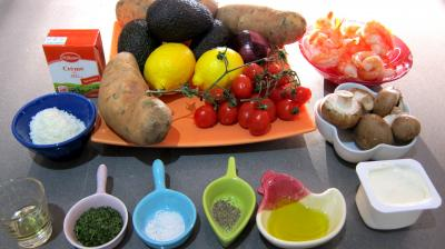 Ingrédients pour la recette : Avocats au parfum de coco en salade