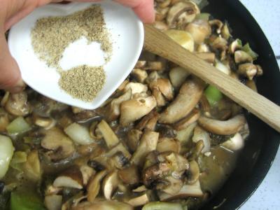 Pintade à la purée de maïs et champignons - 11.4