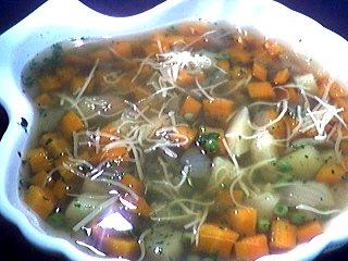 Image : Soupière de soupe aux petits pois