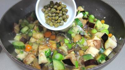 Concombre, poireaux et calamars à l'aigre-doux - 7.2