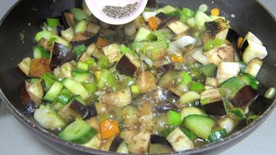 Concombre, poireaux et calamars à l'aigre-doux - 7.4