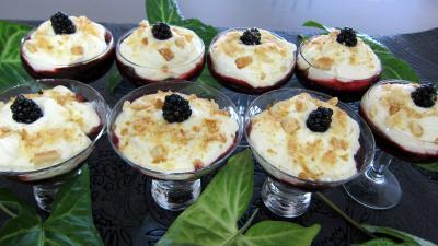 Dessert meringué : Verrines de sullabub aux mûres