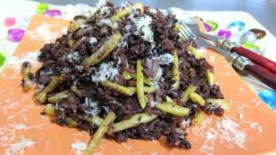 Image : Assiette de risotto aux haricots verts et mendiants