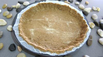 pâte brisée : Moule avec pâte brisée sans gluten