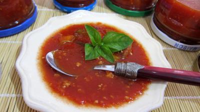 sauce pour pâtes : Coupelle de conserve de sauce tomate au blanc de dinde