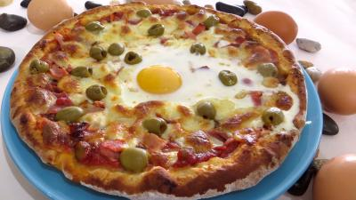 Pâte à pizza au lait : Assiette de pizza Capri