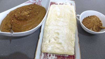 Ingrédients pour la recette : Millefeuilles à la crème pâtissière pralinée