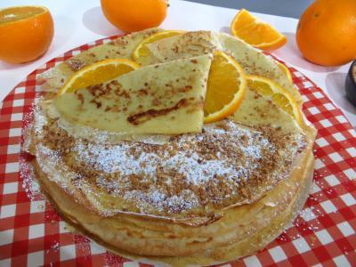 orange zeste : Assiette de crêpes Toinette à l'orange