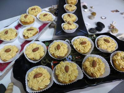 Recette Petits moules de restes de brioches à la crème pâtissière au caramel