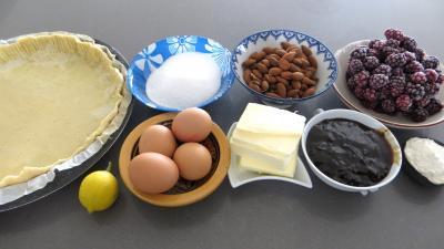 Ingrédients pour la recette : Tarte à la frangipane et aux mûres