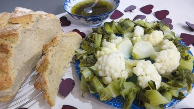 Cuisine dittique : Assiette de chou-fleur vapeur et ses feuilles