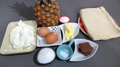 Ingrédients pour la recette : Feuilletés d'ananas