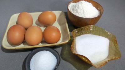 Ingrédients pour la recette : Biscuit aux mûres