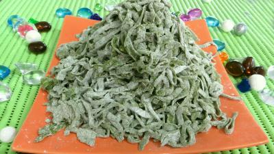 semoule de blé dur : Assiette de tagliatelles fraîches aux épinards