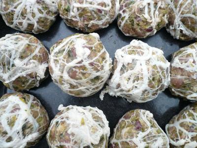 Photo : Cuisson des caillettes