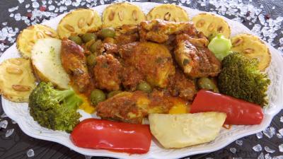 cacahuète : Assiette de poulet sauté et ses toasts pois chiches