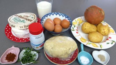 Ingrédients pour la recette : Tourte au coulommiers