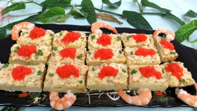 Coquillages et crustacés : Assiette de canapés ou smorrebrod danois