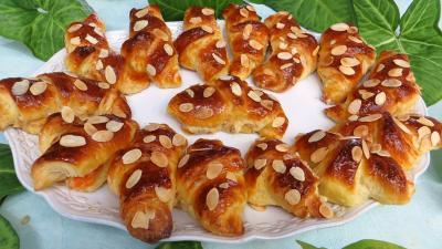 Recette Croissants à la crème aux abricots