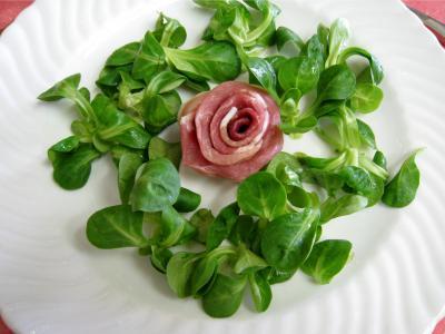 Salade de mâche aux foies de volaille et aux pommes - 12.1
