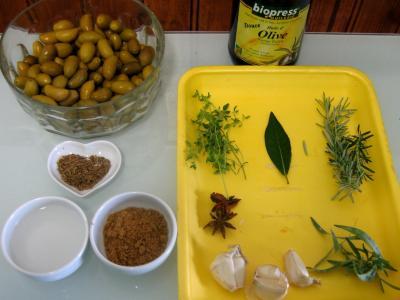 Ingrédients pour la recette : Olives au parfum d'Andalousie
