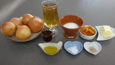 Ingrédients pour la recette : Crêpes à la confiture d'oignons