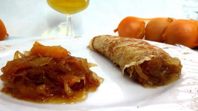 crepes sucrees : Assiette de crêpe à la confiture d'oignons
