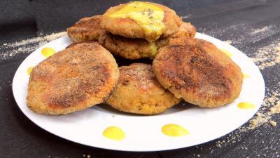 La cuisine des grand-mères : Assiette de galettes d'oeufs de cabillaud frais