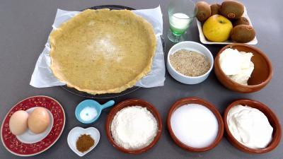 Ingrédients pour la recette : Clafoutis aux kiwis