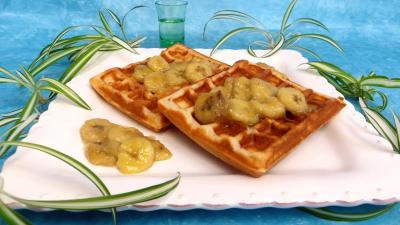 mardi gras : Assiettes de gaufres aux bananes