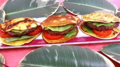 Viandes : Plat de pancakes façon hamburger