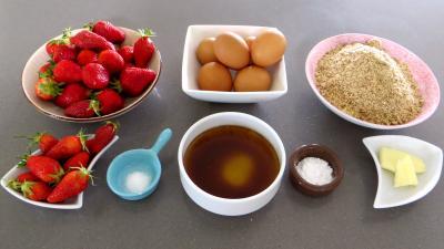 Ingrédients pour la recette : Gâteau à la fraise sans gluten
