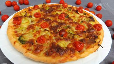 Brocoli fleurettes crues : Pizza aux restes de charcuterie