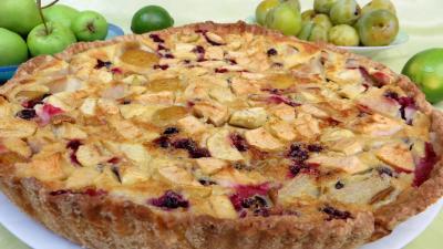 Clafoutis aux pommes, prunes et cassis - 4.2
