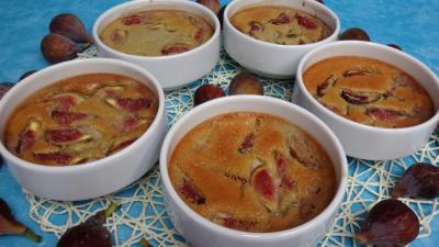 Crèmes sucrées : cassolettes aux figues