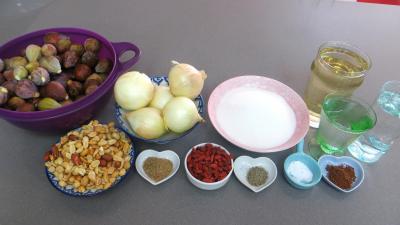Ingrédients pour la recette : Chutney de figues aux cacahuètes