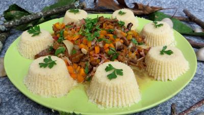 Image : Assiette de poêlée de girolles au couscous