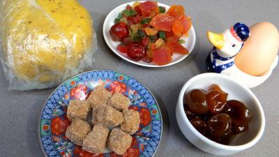 Ingrédients pour la recette : Galette facile aux fruits confits