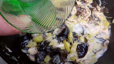 Omelette farcie aux champignons - 5.3