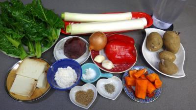 Ingrédients pour la recette : Soupe de légumes et tomme de brebis