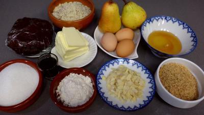 Ingrédients pour la recette : Tarte aux poires et fruits secs