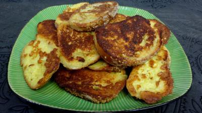 pain : Assiette de pains perdus au roquefort