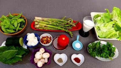 Ingrédients pour la recette : Asperges sauce cacahuètes
