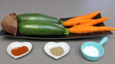 Ingrédients pour la recette : Chips aux courgettes, carottes et betterave rouge