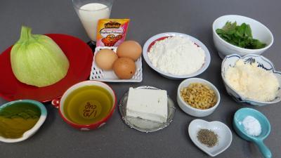 Ingrédients pour la recette : Cake aux courgettes et feta