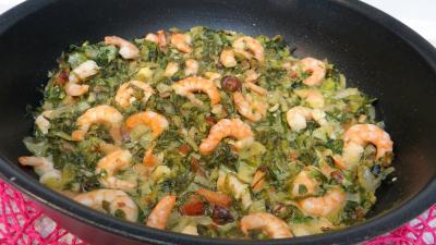 Coquillages et crustacés : Sauteuse de salade cuite aux crevettes