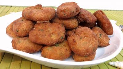 Poissons : Plat de beignets de cabillaud aux poireaux